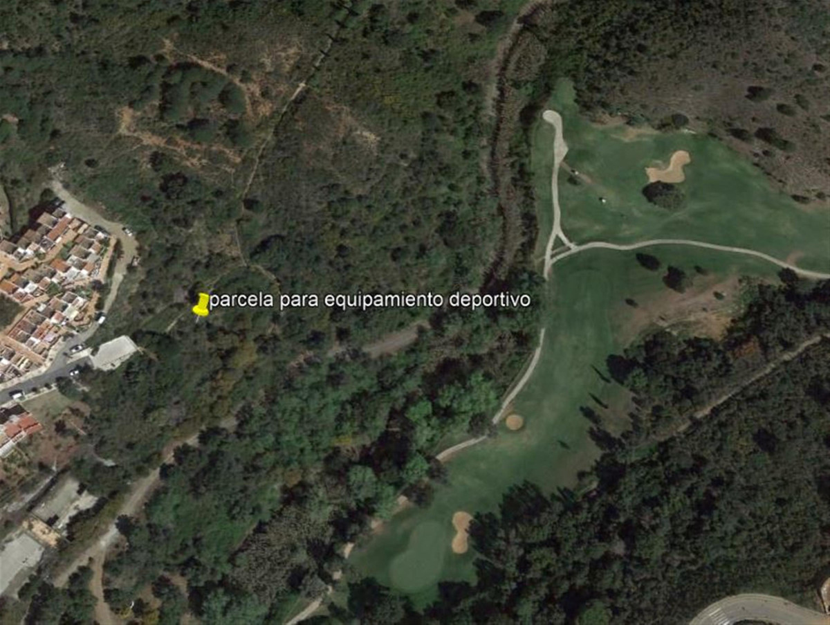 GREAT OPPORTUNITY!  TYPE: Plot for sale for sports equipment.  APPLICABLE REGULATIONS: PGOU 1986  SU,Spain