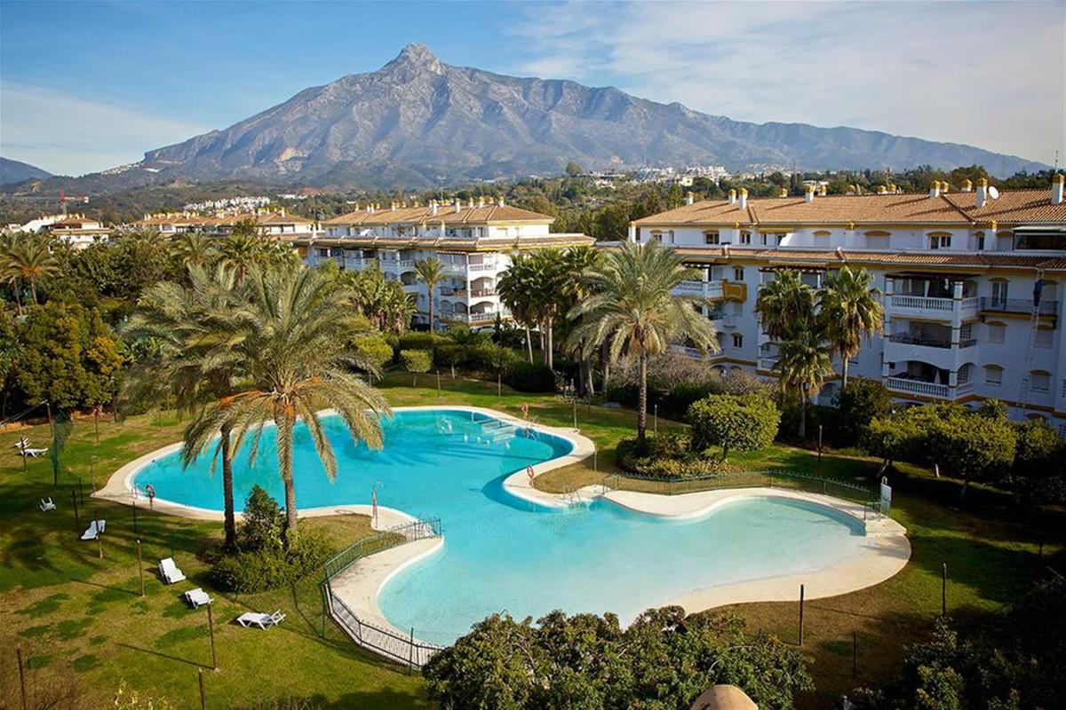 Appartement  Rez-de-chaussée en vente   à Marbella