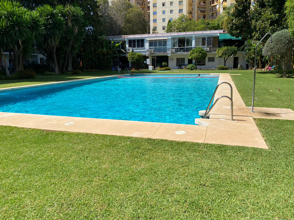 Great opportunity!  Apartment in the center of Marbella. 2 bedrooms 2 bathrooms, AC hot / cold, Porc,Spain