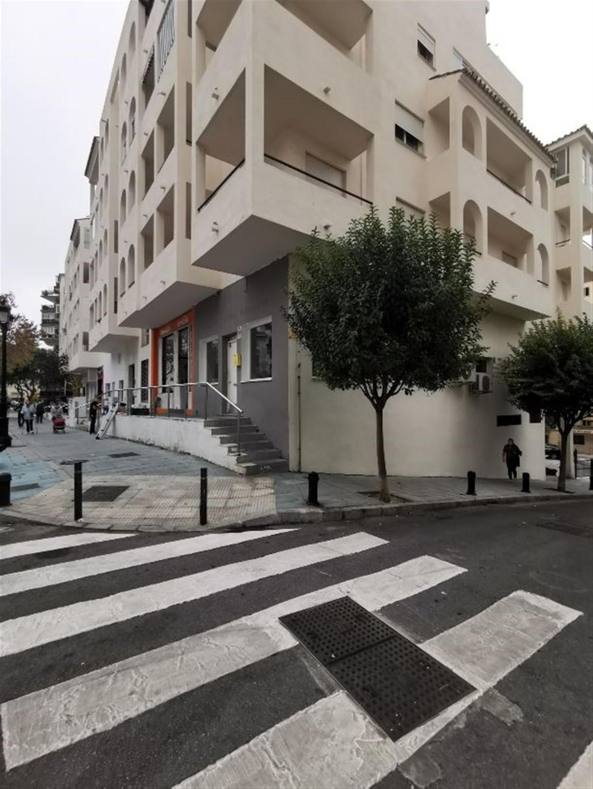 Commerce  Bureau en location  à Marbella
