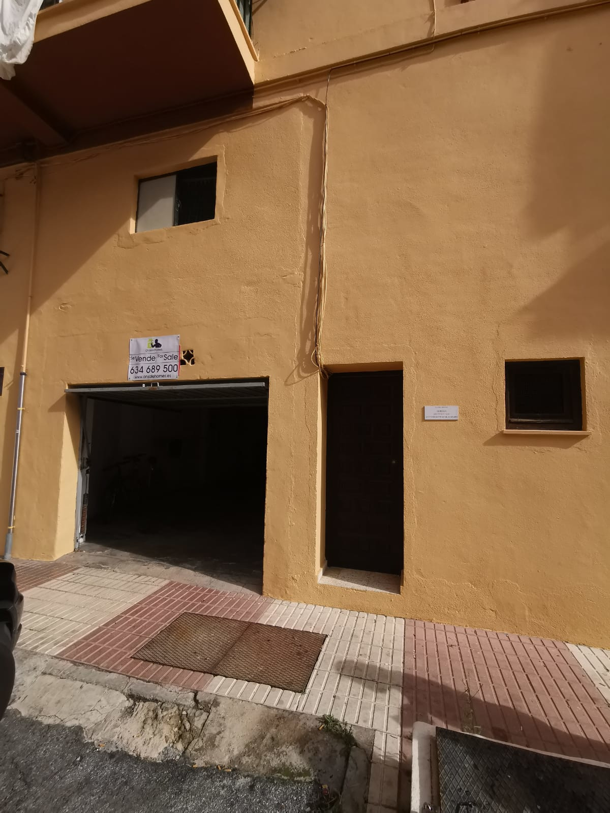 Excellent location for this place in Miraflores, Marbella.  Local distributed on two floors. At stre,Spain