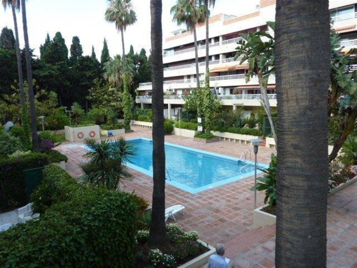 Nice and sunny apartment on a third floor in the center of Marbella. About 50 meters from the seafro,Spain