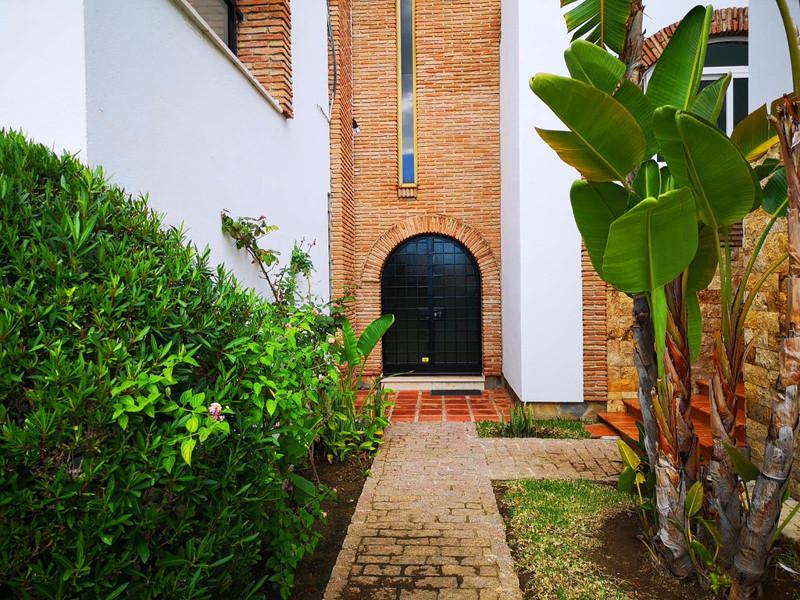 Marbella Banus Villa – Chalet en venta en Marbella – R3497944