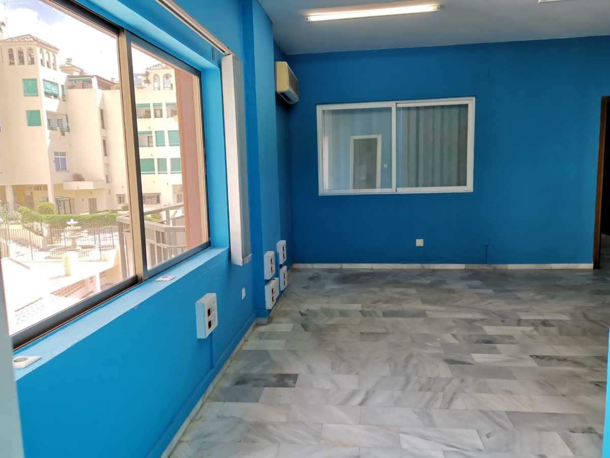 Office in Ricardo Soriano Avenue  Fantastic office located in exclusive commercial use building.  75,Spain