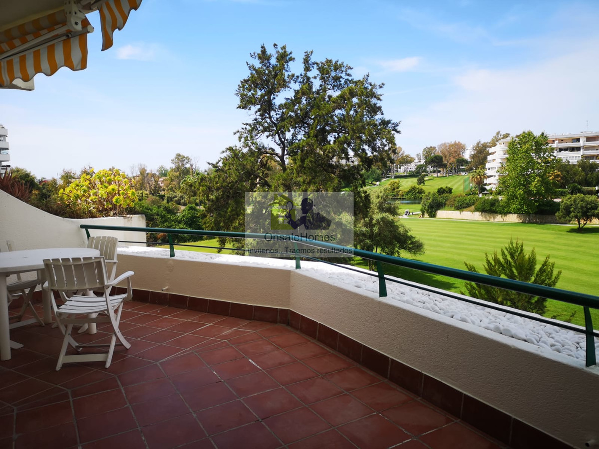 FLAT IN FIRST LINE OF GUADALMINA GOLF COURSE WITH EXCLUSIVE VIEWS  Spacious apartment with 3 bedroom,Spain