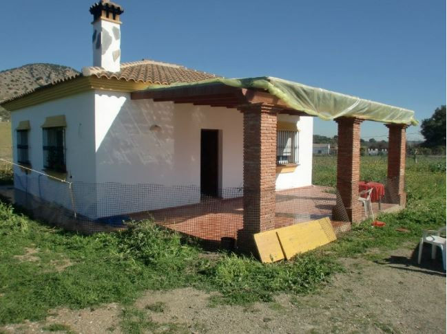 GREAT OPPORTUNITY!  Two plot of 2,000m2 for 199,000 euros. The total 4,000 m2.  In one of the plot t, Spain