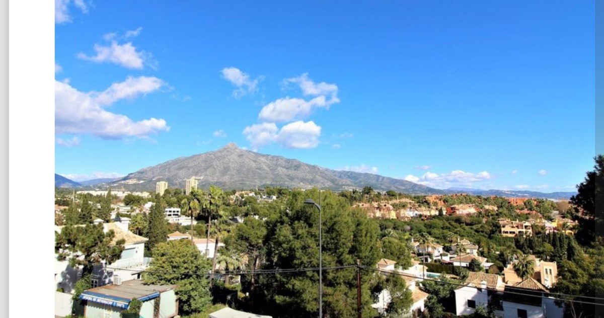 Spacious apartment in the heart of Puerto Banus, close to all kinds of shops, supermarkets, restaura,Spain