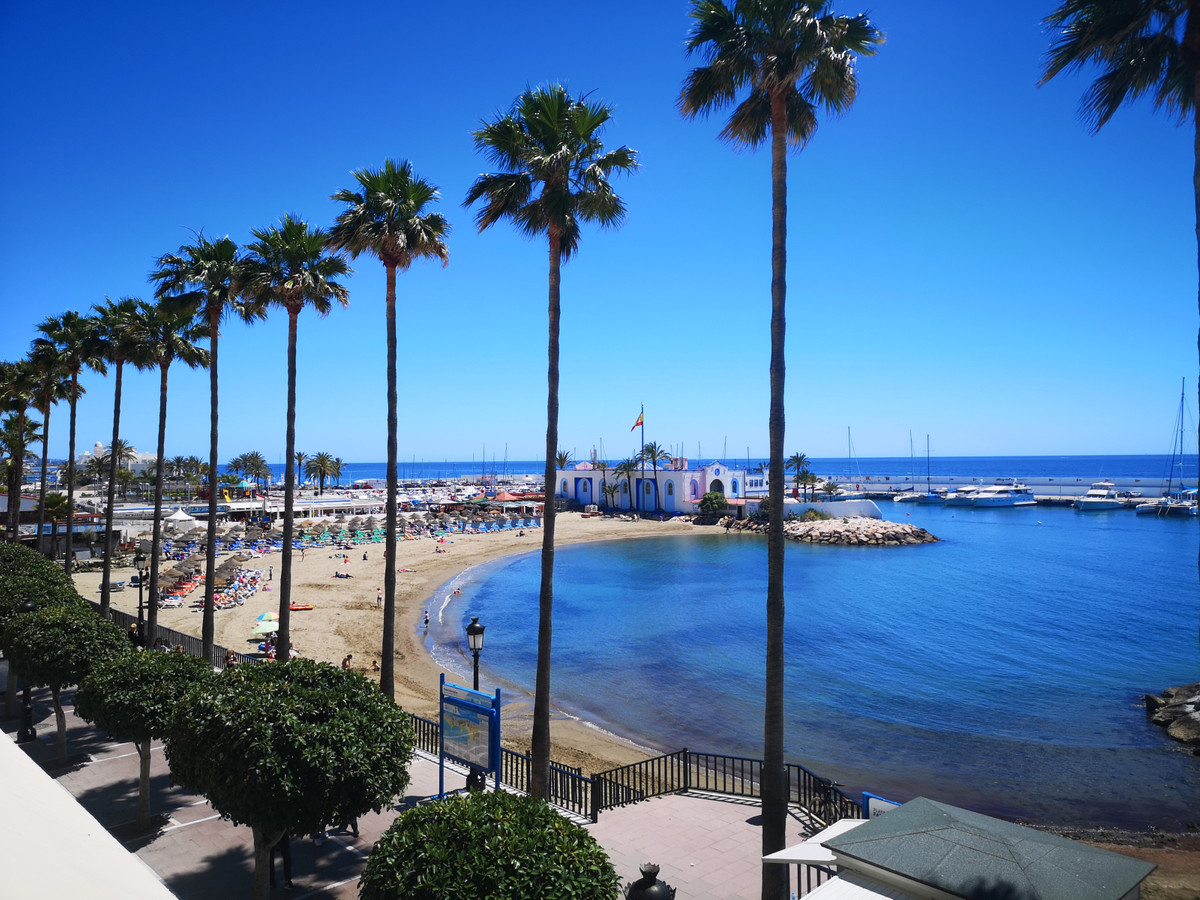 MARBELLA FIRST LINE APARTMENT - PASEO MARITIMO  Fantastic location for this cozy apartment with terr, Spain