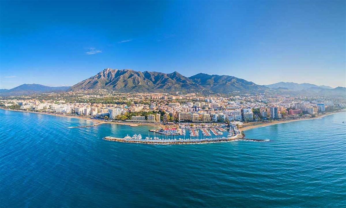 Comercial con 1 Dormitorios en Venta Marbella