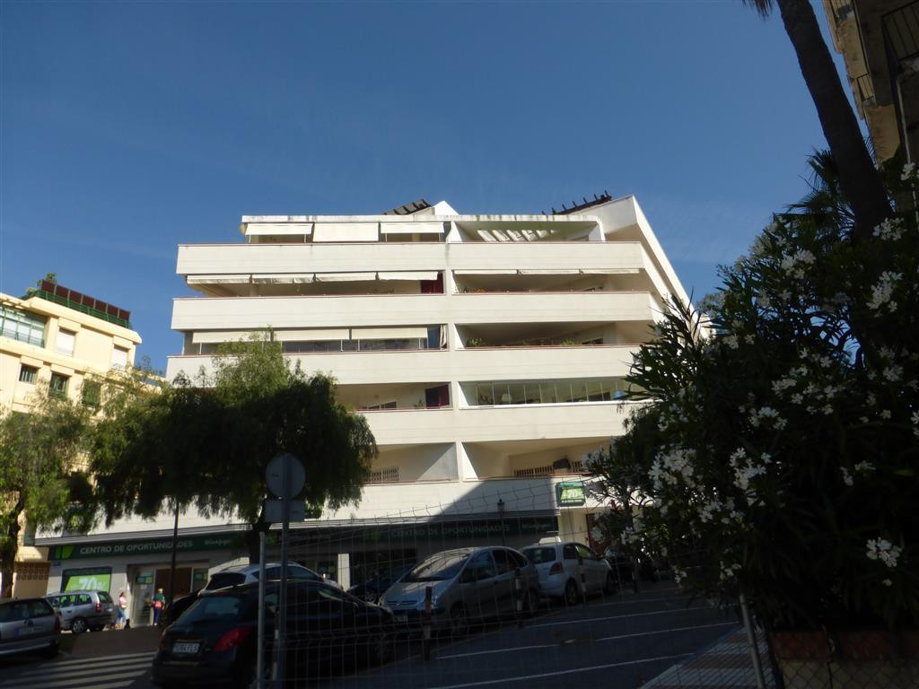 Spacious apartment with sea views, located on Avenida Severo Ochoa, a few meters from the beach. It ,Spain
