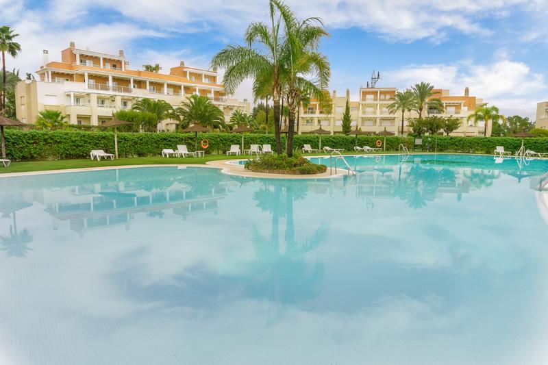 Marbella Banus Ático en venta, Estepona – R3483928