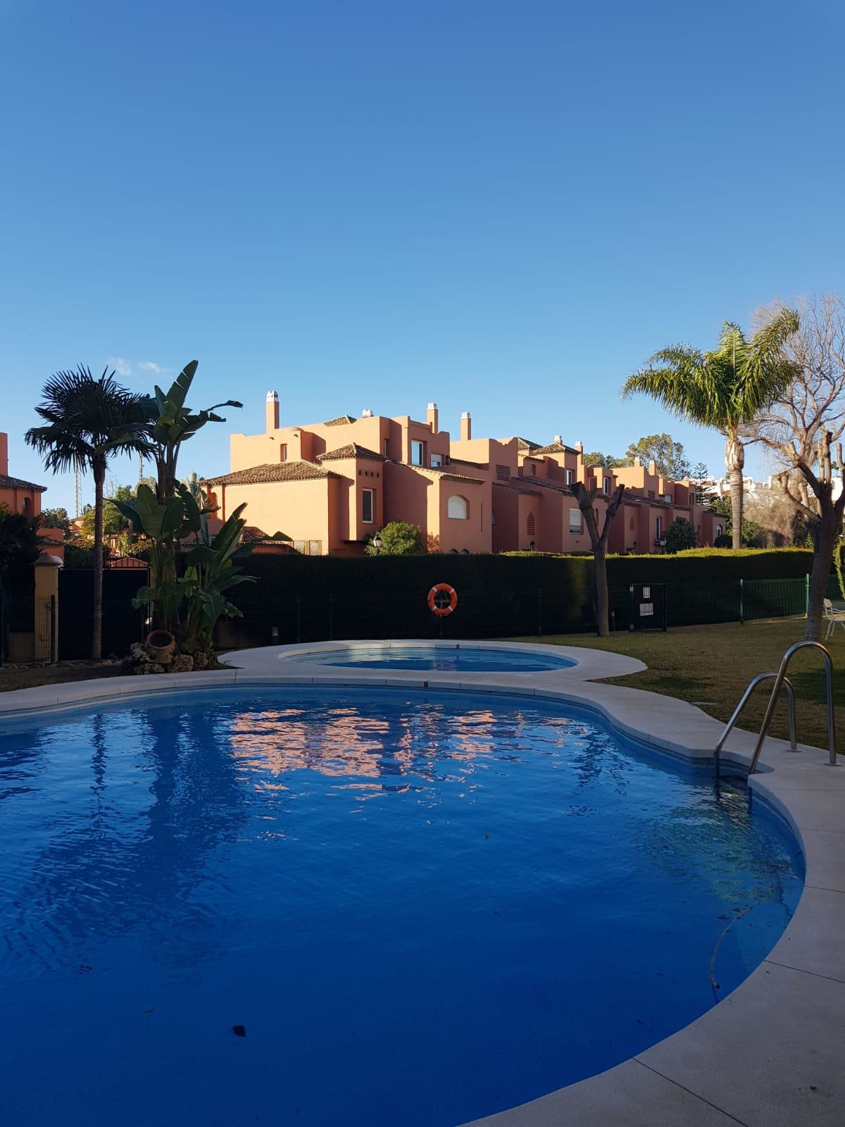 Nice apartment on the ground floor in one of the best areas in Guadalmina Baja, near the beach, golf, Spain