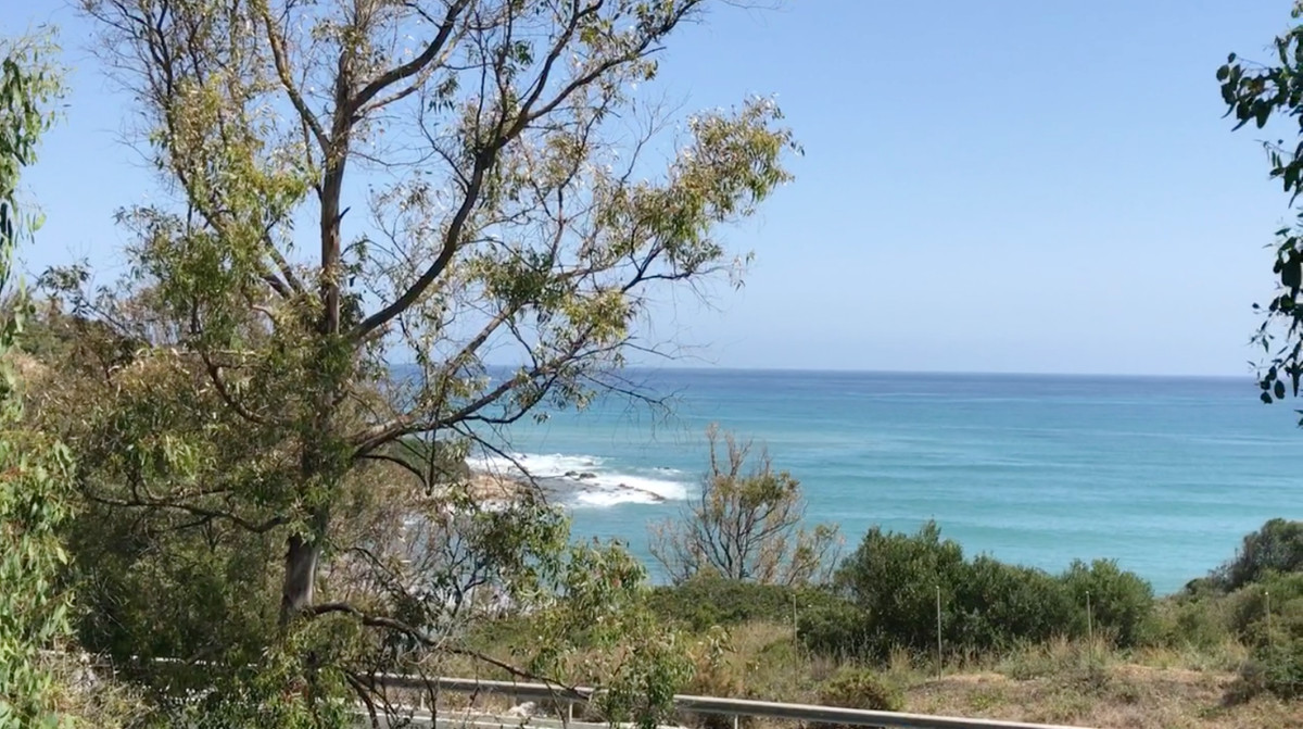 OPPORTUNITY PLOT WITH FANTASTIC VIEWS TO THE SEA, PROJECT AND LICENSE !!!!  Plot with 1143m2, locate,Spain