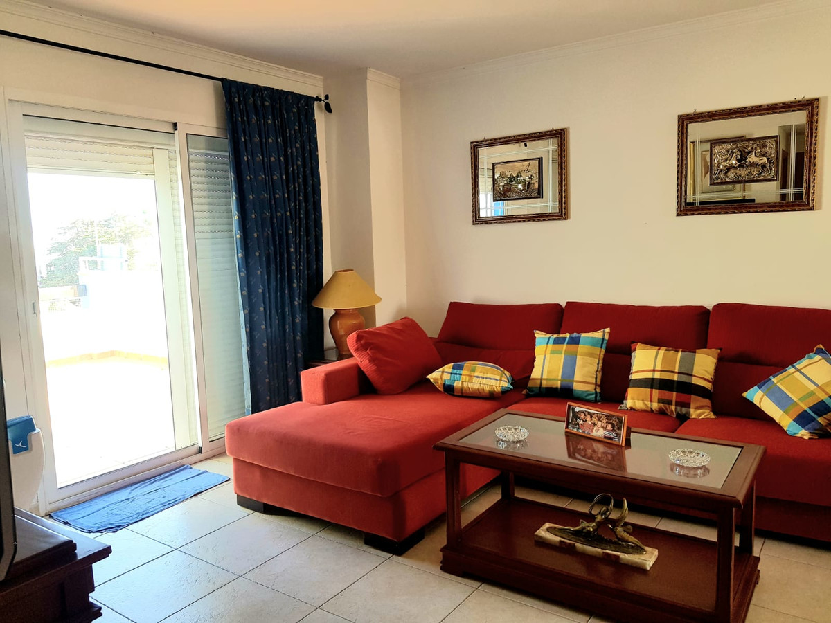 2 bedroom apartment located in the central area of Cancelada.  The apartment has 90m2, distributed i, Spain