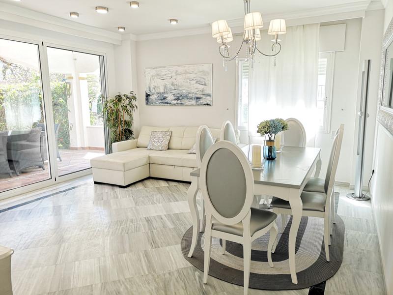 Apartamento Planta Baja en venta en Marbella – R3400864