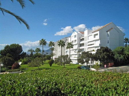 Spectacular 220m2 apartment with two large bedrooms with bathroom en suite, also consists of another, Spain