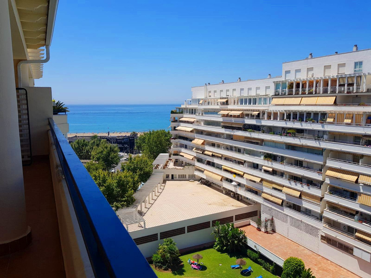 Spacious apartment located on the upper floor with South-West orientation and beautiful sea views.  ,Spain