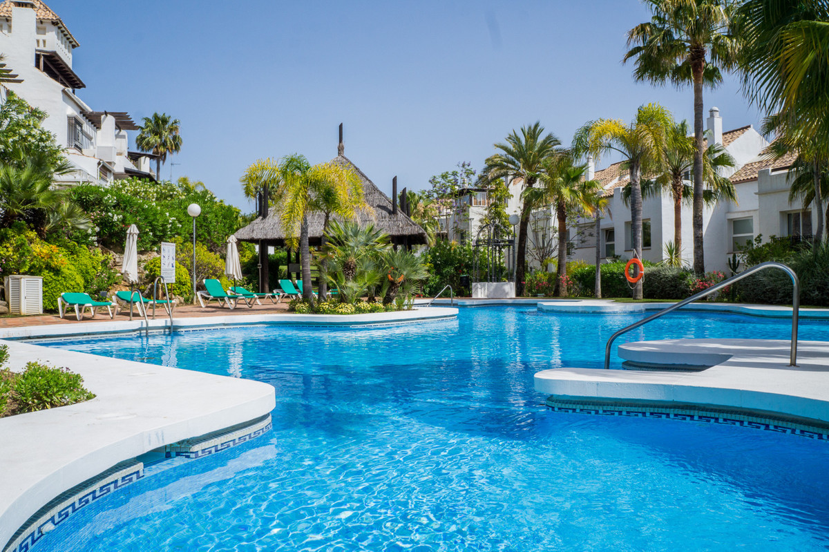 Townhouse, The Golden Mile, Costa del Sol. 3 Bedrooms, 2 Bathrooms, Built 250 m², Terrace 35 m².  Se Spain