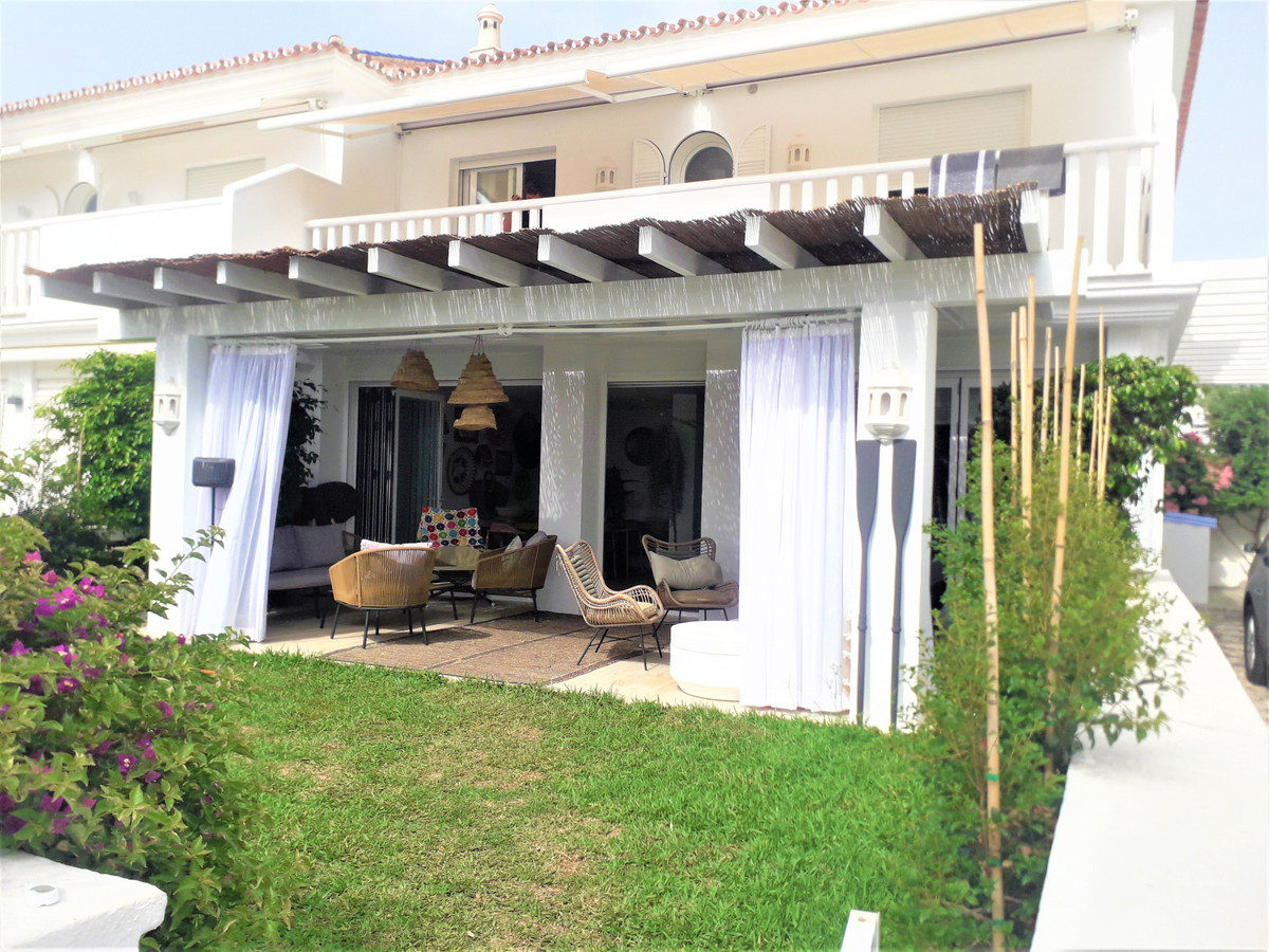 Absolutly stunning totally reformed to the very highest standards frontline beach 5 bedroom semi-det,Spain