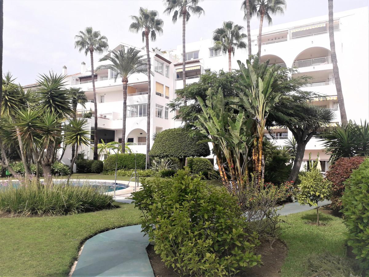 Marbella Banus Apartment for Sale in Atalaya – R3738706
