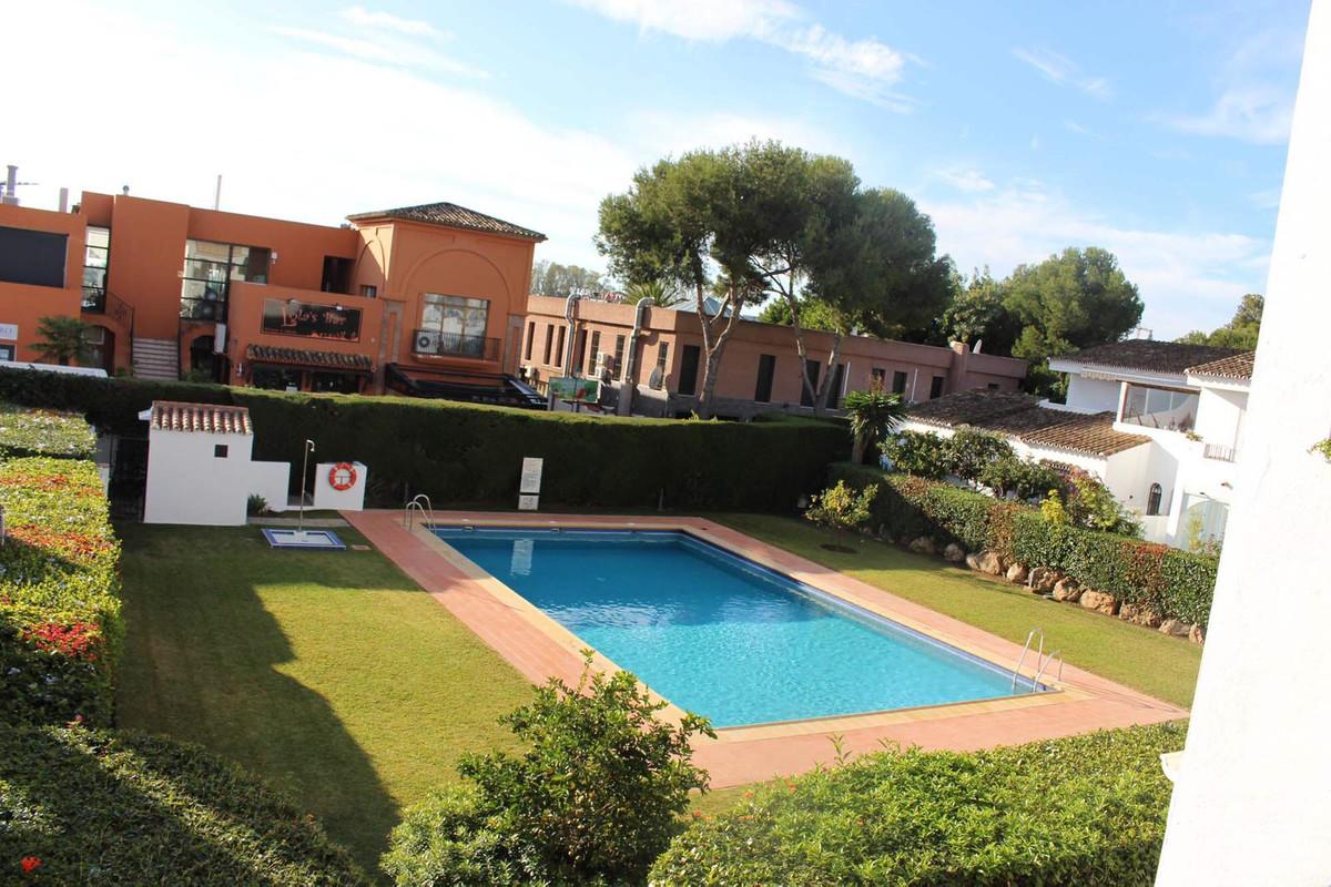 Marbella Banus Apartamento en Venta en New Golden Mile – R3640250