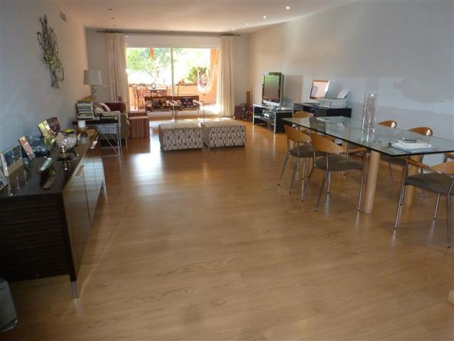 An highly desirable contemporary apartment in one of the most spacious Urbanization on the coast,wit, Spain