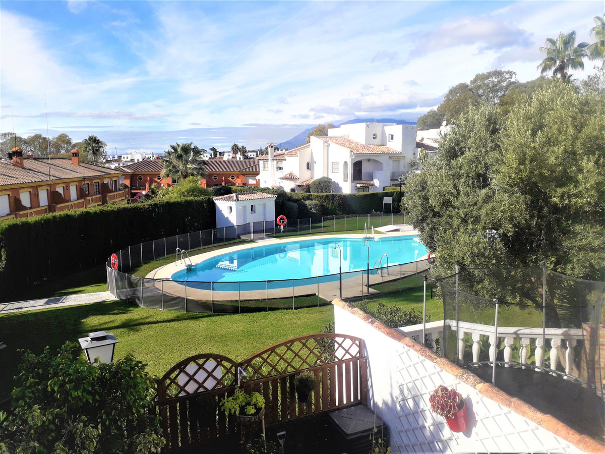 Townhouse for sale in Atalaya R3552862