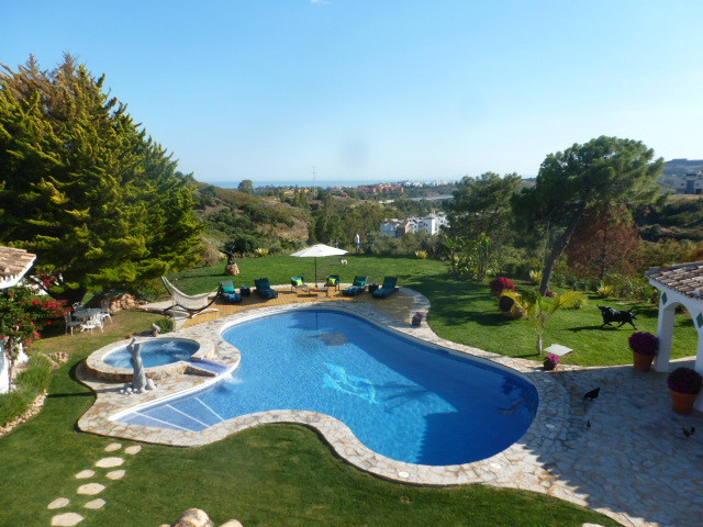 Stunning mansion overlooking the Mediterranian coast, an oasis of peace and quiet. The property boos, Spain