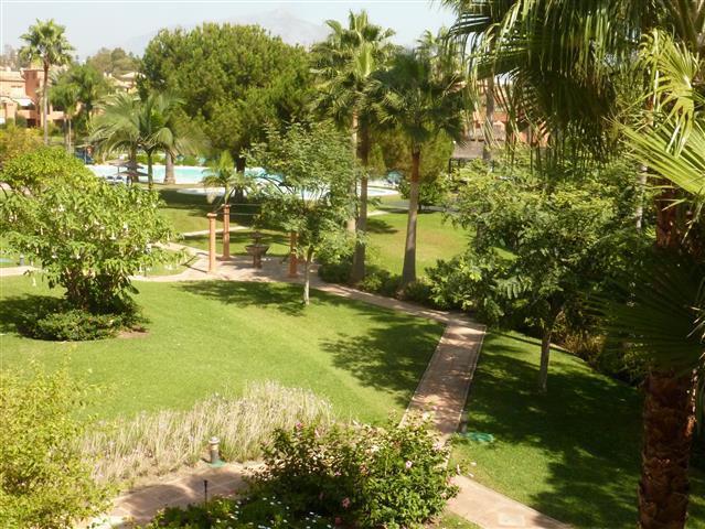 Apartamento  Ático en venta   en Guadalmina Baja