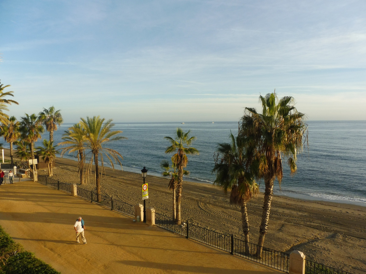 A luxury spacious 2 bedroom 2 baths beachfront apartment located at the western edge of Marbella TowSpain