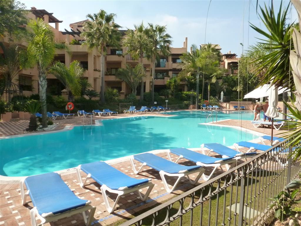 Marbella Banus Apartamento Planta Media en Venta en San Pedro de Alcántara – R3011414