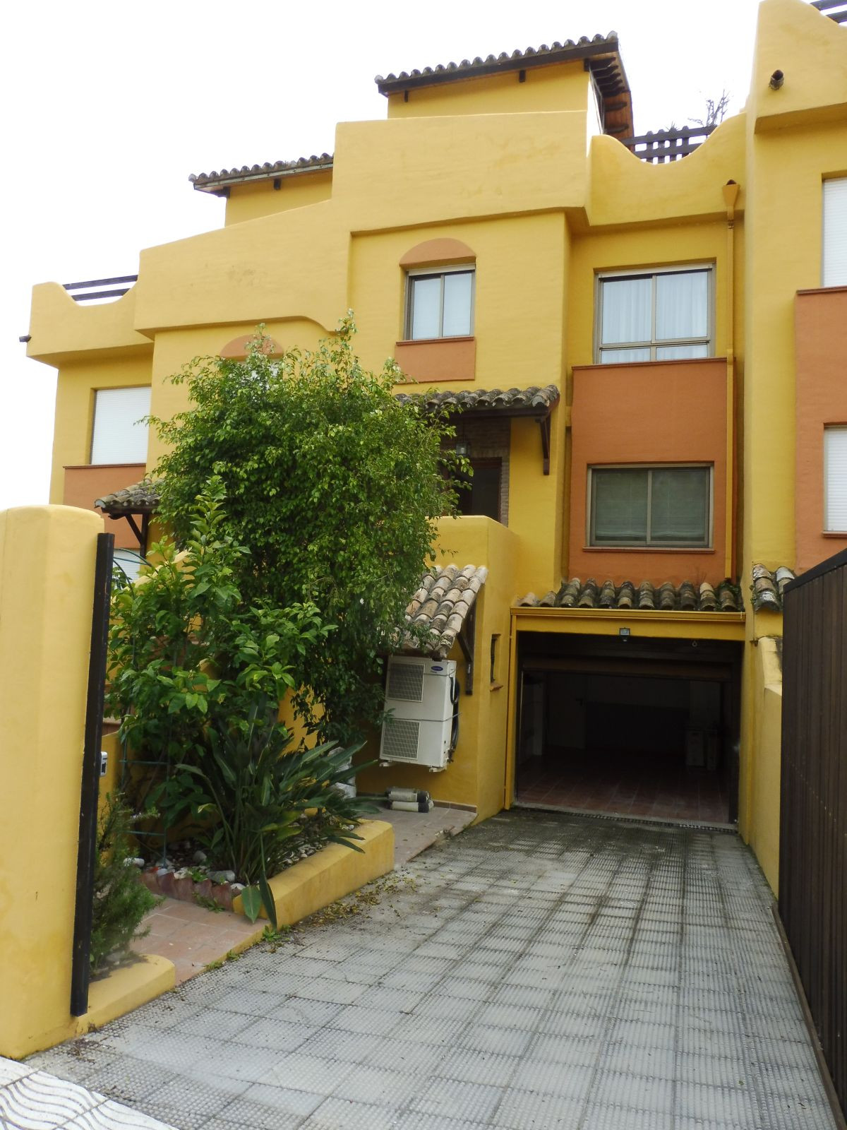 Long Term Rental in Nagueles