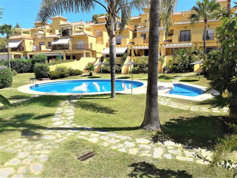 Marbella Banus Adosada en venta en New Golden Mile – R3499591