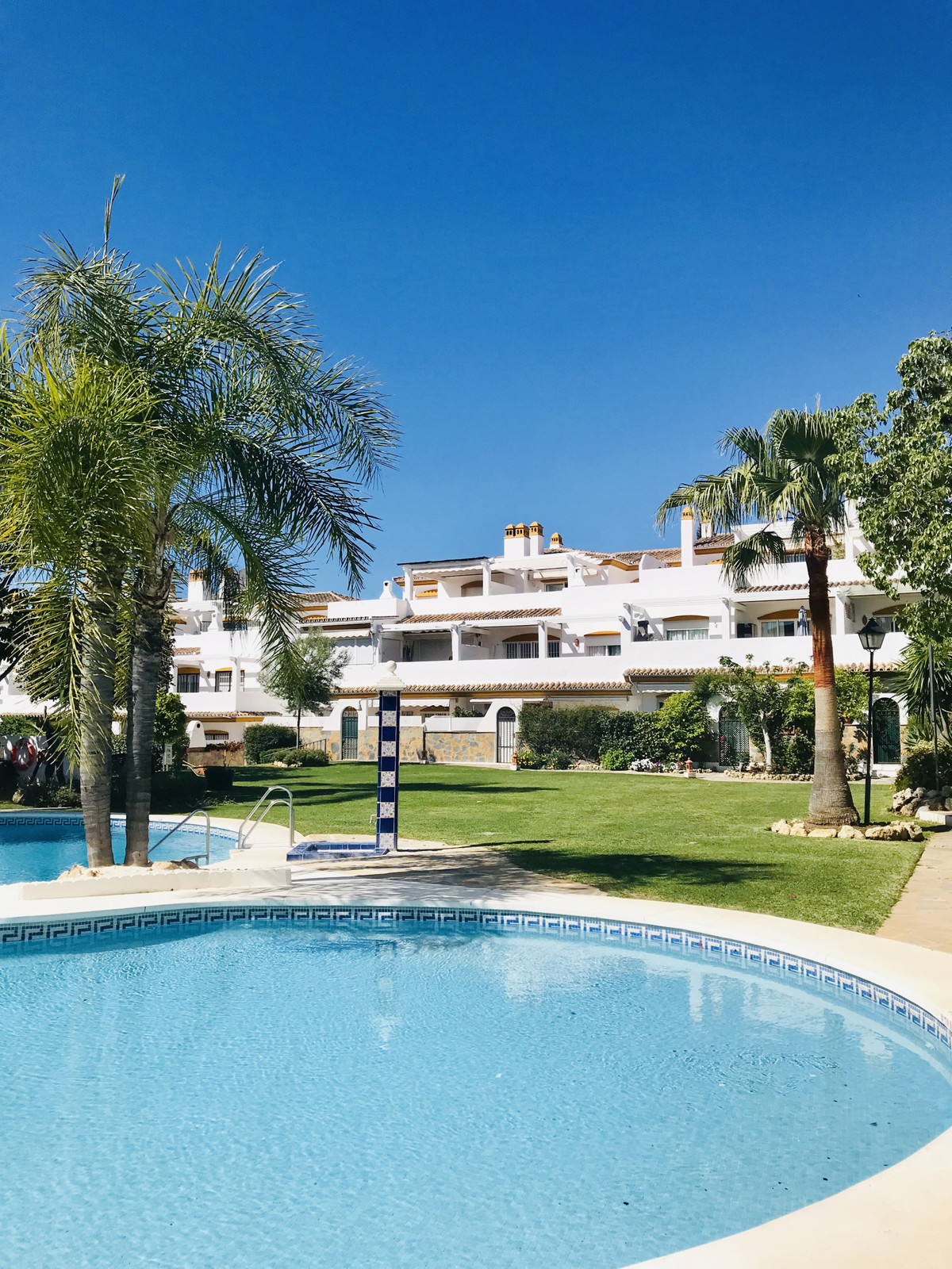 Lovely 3 bedroom Duplex penthouse property for sale in a great location right in the centre of Marbe, Spain