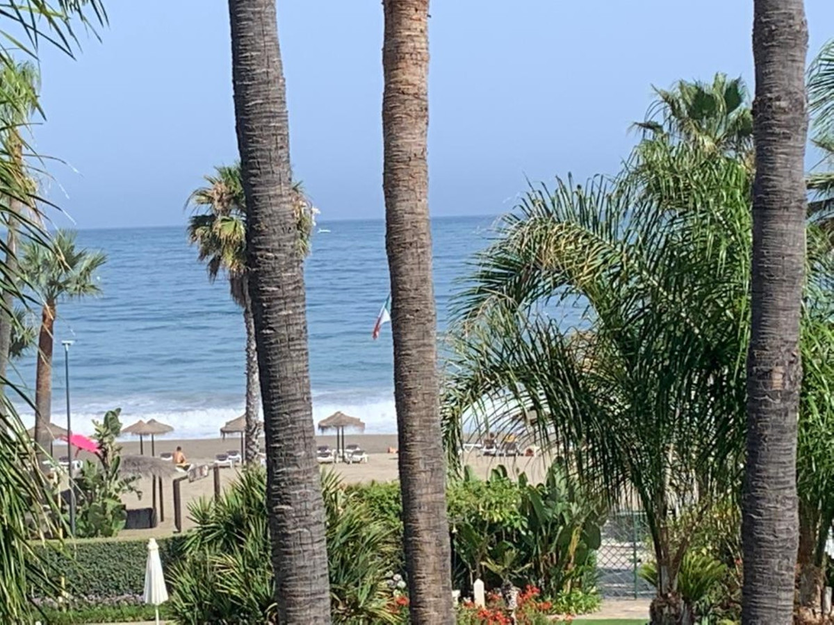 Middle Floor Apartment for sale in Marbella R3360391