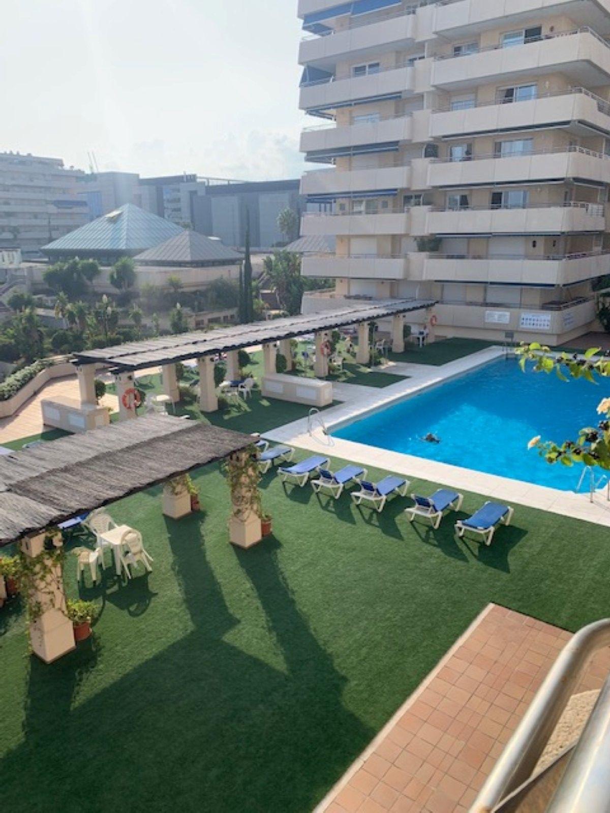 Marbella Banus Apartamento Planta Media en Venta en Marbella – R3508180