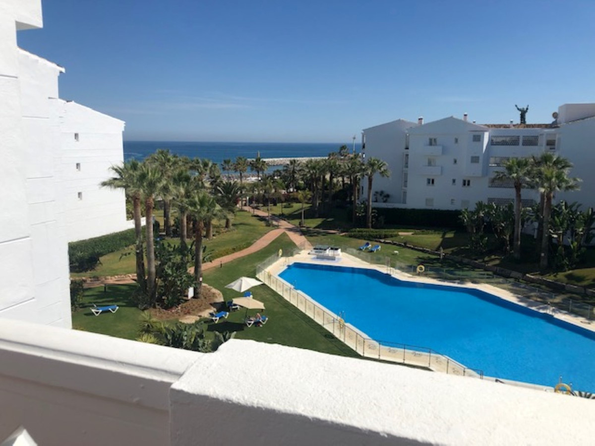 """Fabulous apartment in the urbanization """"Playa Rocio"""", in Puerto Banus, complex by the sea.,Spain"""