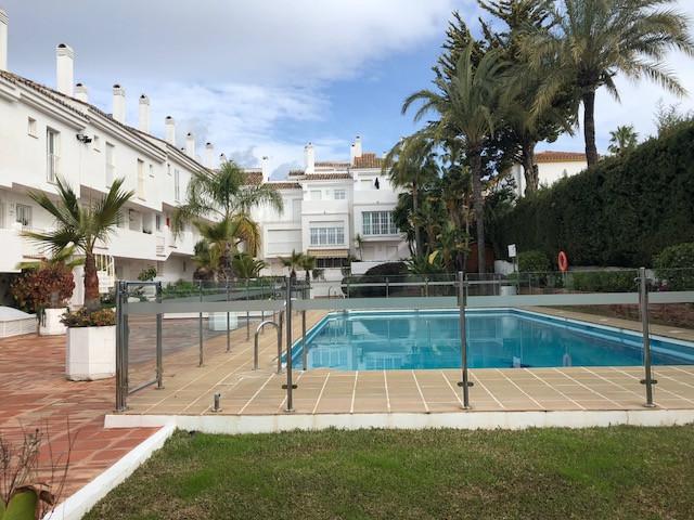 Apartamento Planta Media, Nueva Andalucía – R3335305