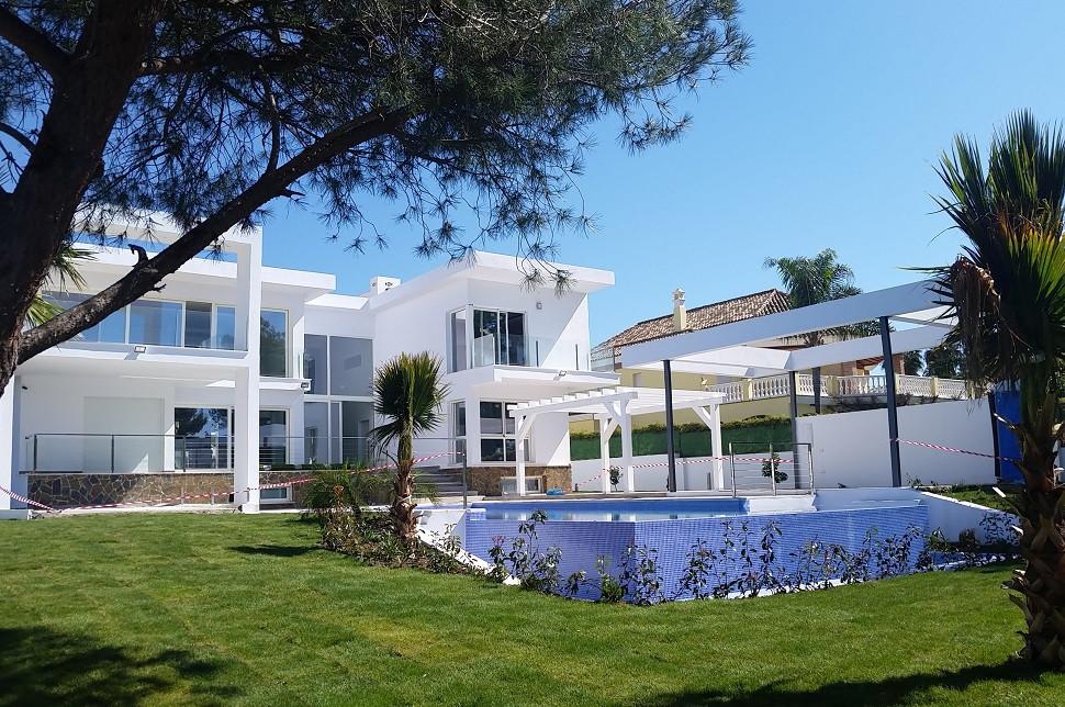 Villa for Sale <br/> in Nueva Andalucía