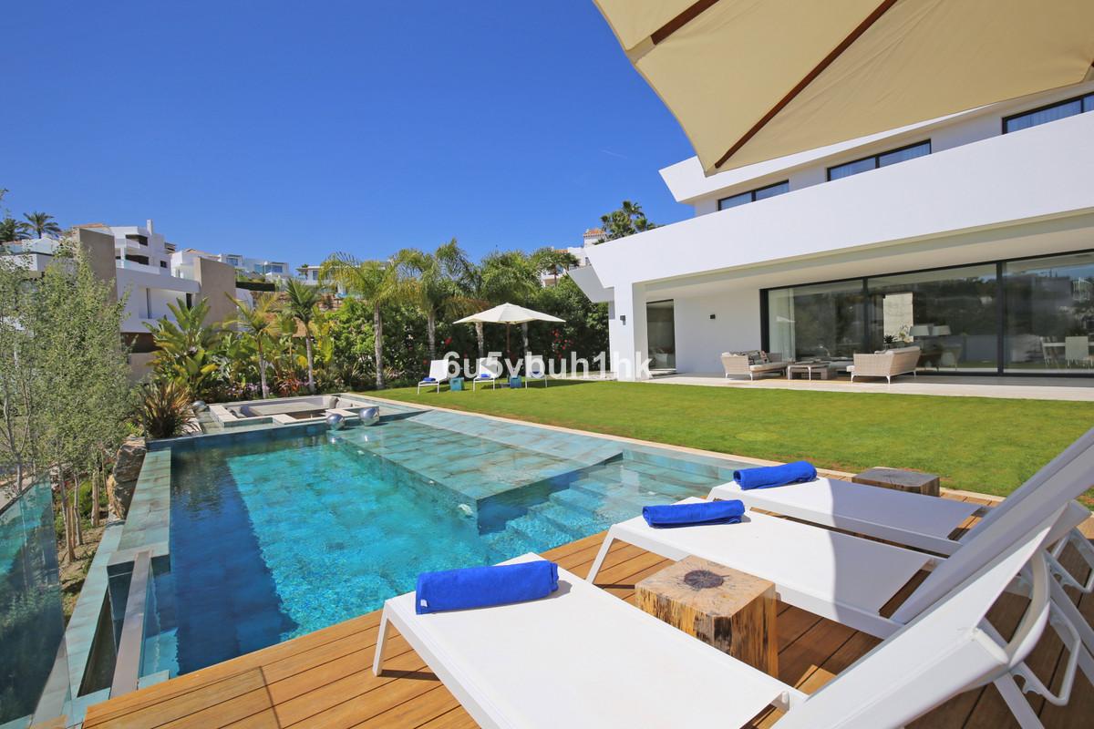 Villa for Sale <br/> in Benahavís