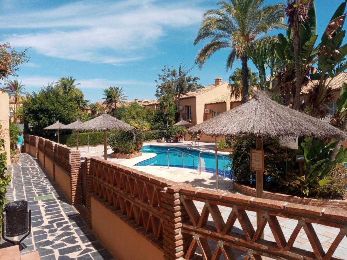 OASIS DE RIVIERA 2 APARTMENTS WITH 1/1 FROM 112.000€ 2 APARTMENTS WITH 2/2 FROM 149.500€ 2 Bedrooms,,Spain