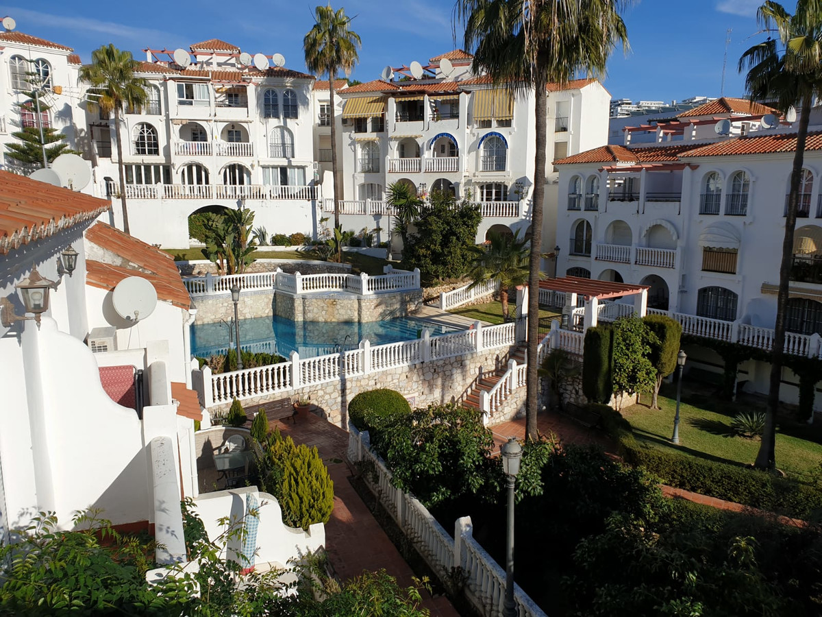 Very nice semi-detached house located in the heart of a friendly residence in Riviera del Sol, Balco,Spain