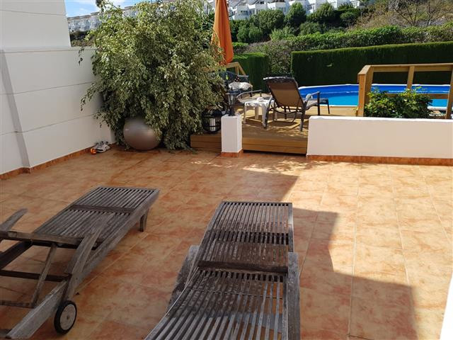 Rare opportunity to purchase a townhouse in this exclusive urbanisation in Calle Menga. The property,Spain