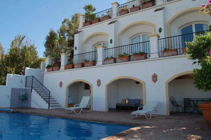 A spectacular exotic villa on a prime position in an exclusive 5star golf resort, only 5 minutes fro, Spain