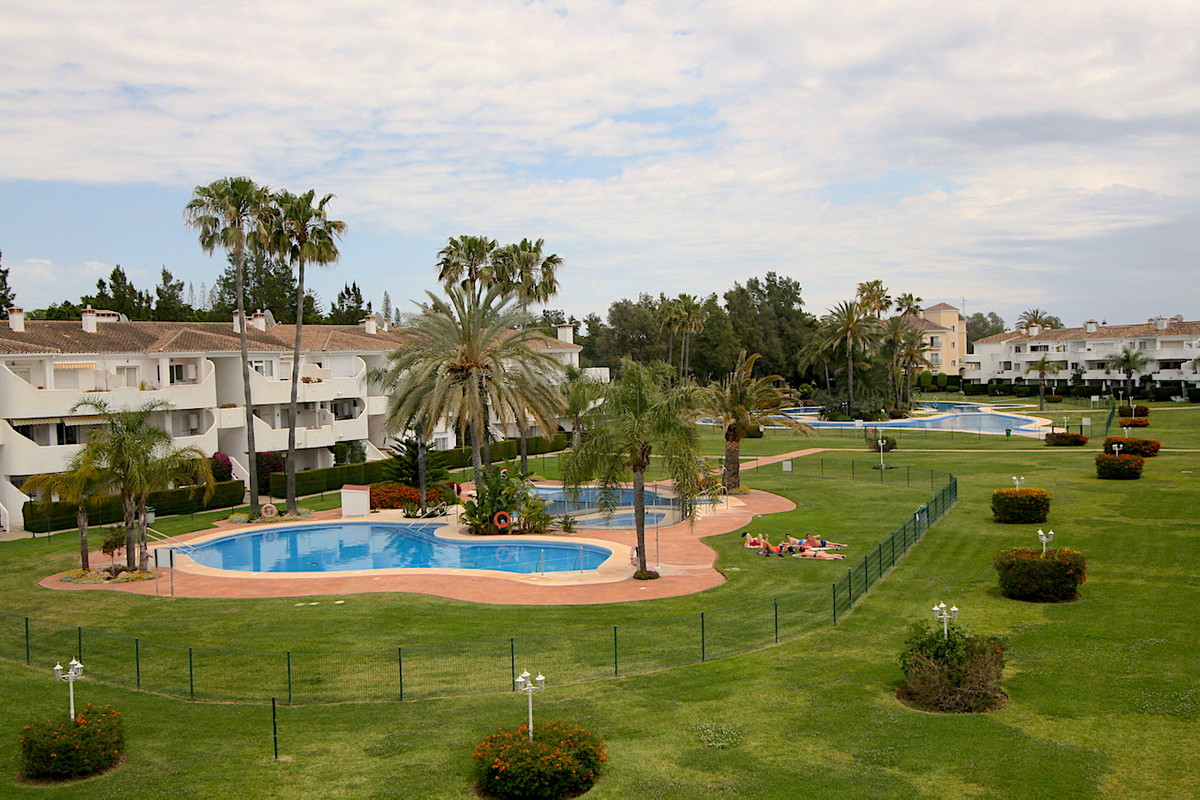 Beautiful top floor in Mijas Golf. Surrounded by spectacular community pools (4+ baby pool), golf co,Spain