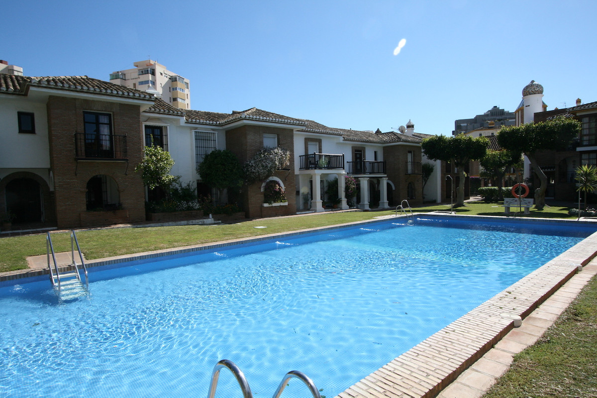 Luxery apartment for sale in Puebla Lucia. This property has 2 good size bedrooms, 2 bathrooms ( one, Spain
