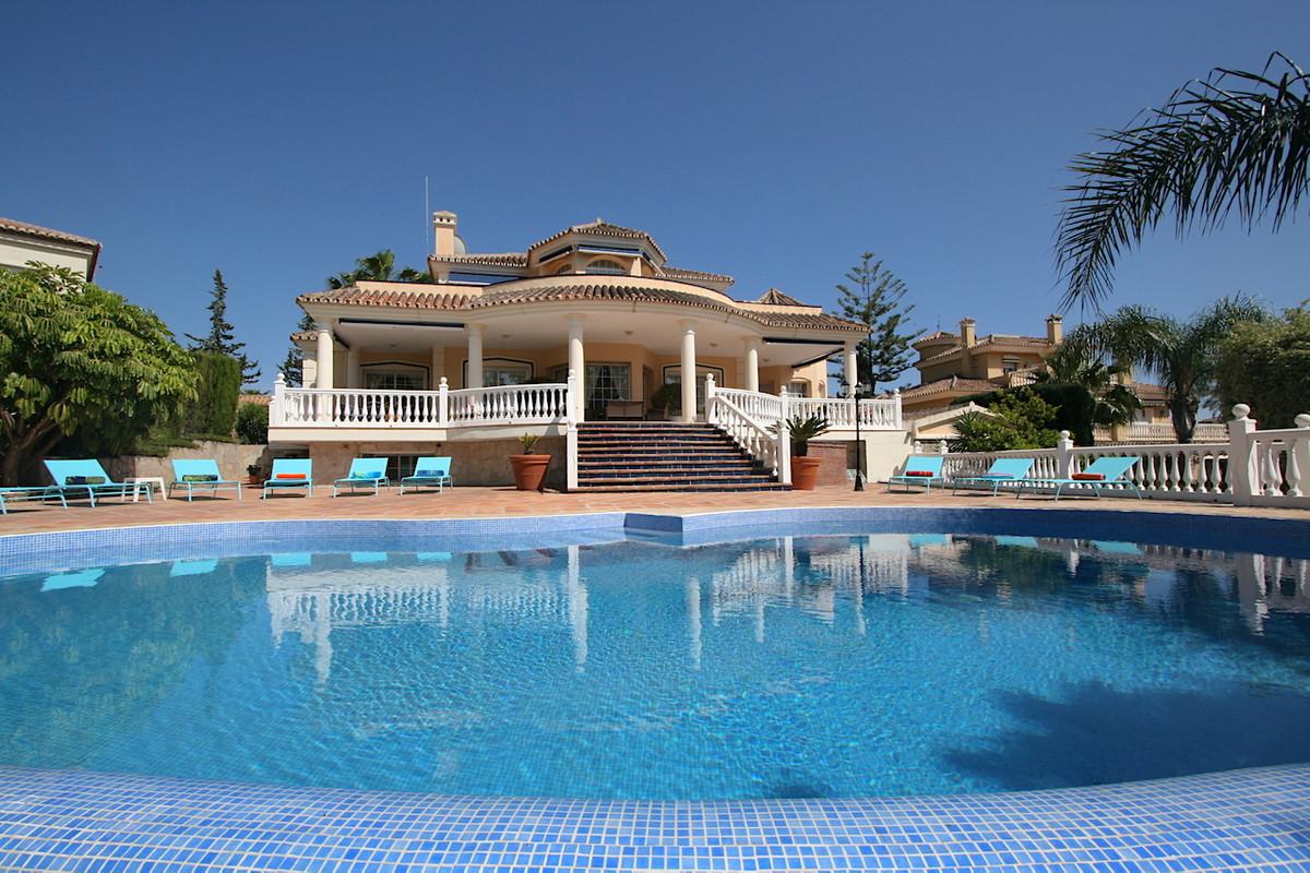 Villa 8 Dormitorios en Venta Mijas Golf