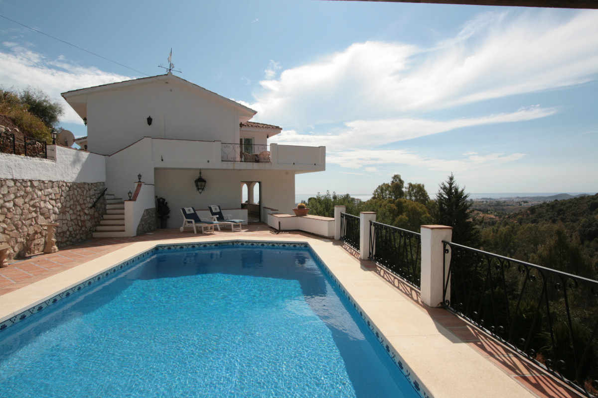 Stunning Hillside Villa with Ocean Views. Located at the end of a private cul-de-sac surrounded by n,Spain