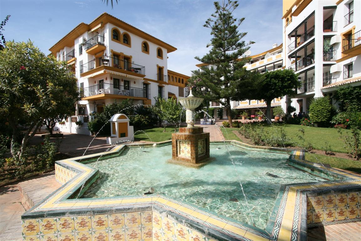 6 bedroom townhouse for sale fuengirola