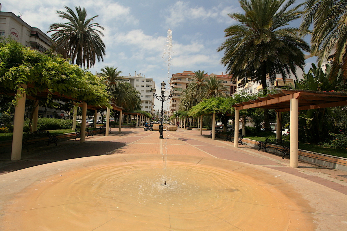 Very good opportunity, apartment near Plaza de la Hispanidad, situated in very central location in F,Spain